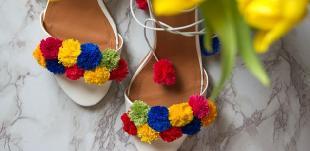 Как сами да си направите декорация на обувки с ток?
