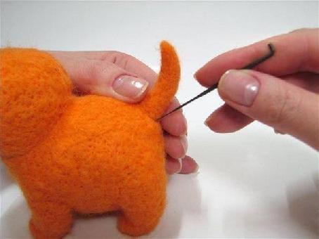 Животинка от филц с иглонабиване