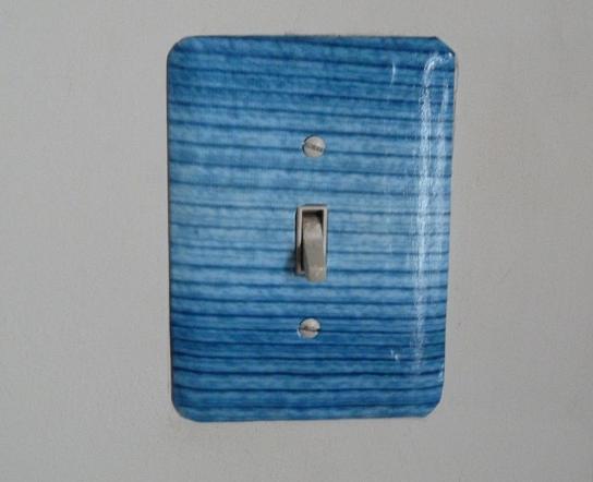 Декоративен капак на ключ за включване на осветление width=