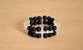 Гривна с кръст и естествени камъни на два реда