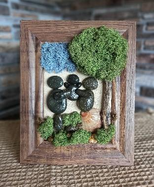 Пано с морски камъчета и скандинавски мъх