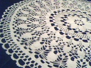 плетена покривка за маса