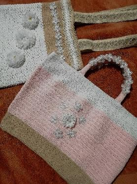 Плетени чанти на една кука с декорация