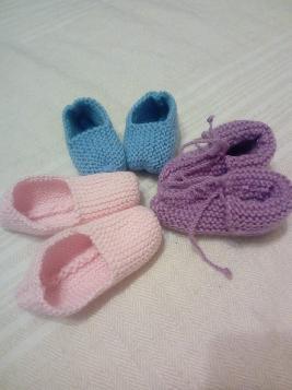 Ръчно изплетени бебешки терлички