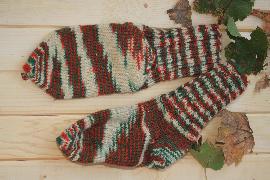 ръчно плетени шарени чорапи