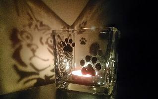 Ръчно рисувани свещници