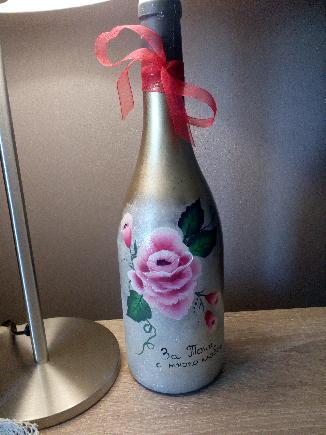 Рисувана бутилка