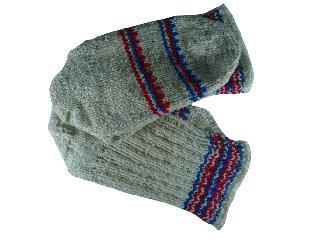 Вълнени ръчно плетени дамски чорапи