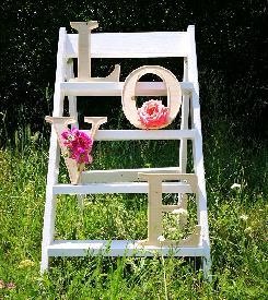 Декорация със стълба