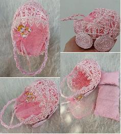 Бебешка количка-сувенир в розово