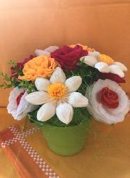 Букет с цветя 13 бр. в керамична кашпа