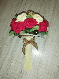 Букети, кошници и кашпи с цветя от креп хартия