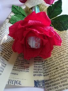 Букети от Рози с бонбони Рафаело,изненада,вечни цветя
