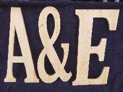 Букви, цифри и знаци от дърво - голям размер