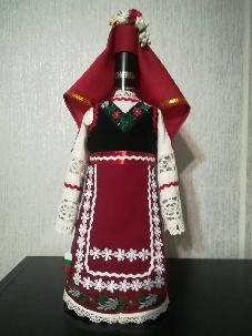 Бутилки облечени в народна носия от района на Стара Загора