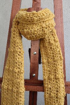 Дамски шал в цвят горчица