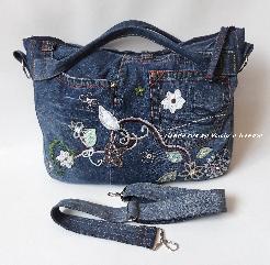Дънкова чанта с бродирани цветя