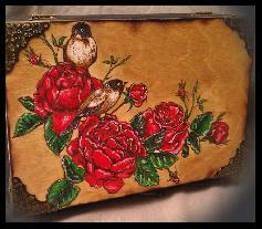 Дървена винтидж кутия за бижута и аксесоари