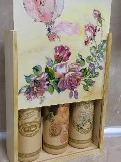 Декорирана дървена кутия за 3 бутилки за наричане. Бутилки за сватба.