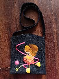 Детска чантичка с полуобемна апликация