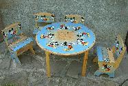 Детска маса с 4 стола