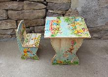 детски дървени рисувани стол и маса