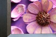 Картина с акрилни бои и сухи цветя