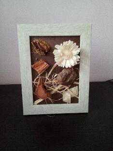 Картина в рамка с ароматни сухи цветя