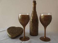Комплект ,,Антик ''- бутилка червено вино, 6 бр.чаши