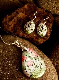 """Комплект от морски камъчета """"Полски цветя"""""""