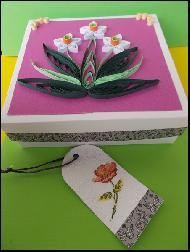 Кутия за подарък Нарциси с таг за надписване