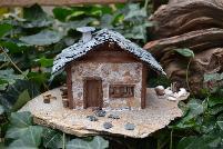 Малка горска хижа от камък и дърво-сувенир,подарък,украса за дома