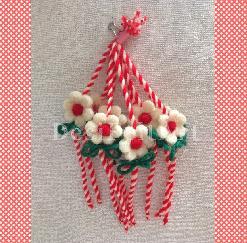 Мартеница - гривна с цвете