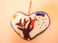 Мартеница сърце за стена.