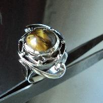 модел 468  Сребърен пръстен с тигово око проба 925