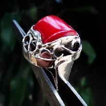 модел 474 Изключително модерна и ефектна визия. Уникална ръчна изработка, Дамски пръстен,с инкрустиран 1 камък чepвeн корал