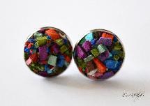 Multicoloured studs