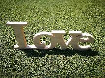 Надпис LOVE