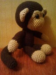 Плетена играчка Маймунка