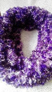 пухкава шал в лилаво
