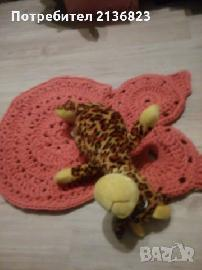 Ръчно плетен килим-бухалче