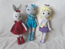 Ръчно плетена кукличка