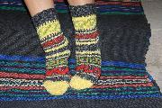 ръчно плетени шарени чорапи, фолклорни мотиви