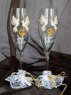Ръчно рисувани чаши подходящи за сватба
