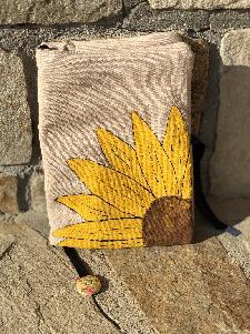 Ръчно рисувани текстилни калъфи за книги (дрехи за книги)
