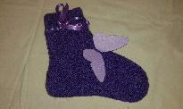 Тъмно лилави плетени чорапи със сатенена панделка и аксесоар пеперуда от филц