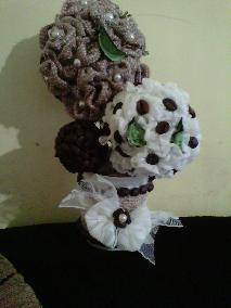 Ваза с декоративни цветя