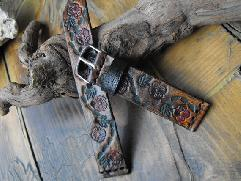 Верижка за часовник от естествена кожа ръчно гравирана и рисувана