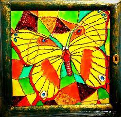 "Витраж-""прозорче"" с голяма пеперуда"